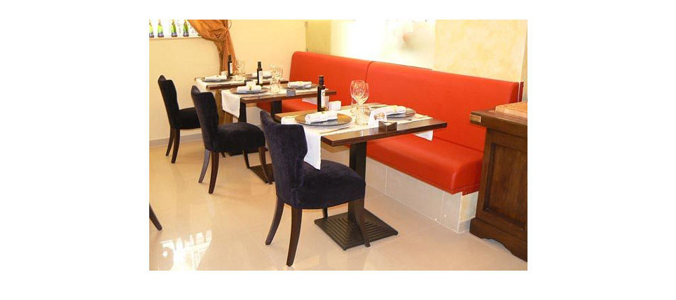 Sillas para la hosteler a restaurante le champagne for Sillas para restaurante