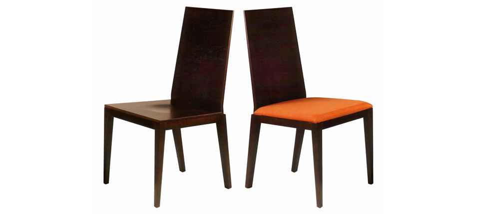 Sillas para la hosteler a silla 727 madera y piel for Sillas contemporaneas